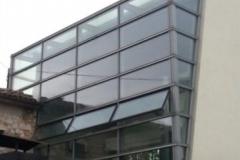 facciata-in-alluminio-con-apertura-a-sporgere